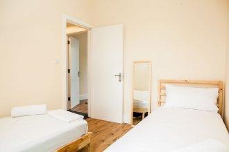 Stunning 4 Bed East London Apartment Sleeps 10