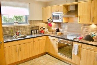 3 Bedroom Duplex Apartment In Edinburgh