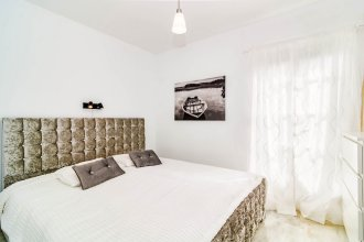 CNA-2 bedroom with large roof terrace