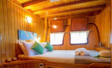 Dm Yachting - 7 Night Cruise Sun-Sun
