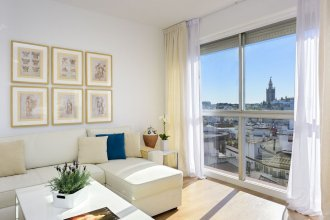 Wonderful Location in La Magdalena Square 2 BD Apartment With Great Views. San Pablo V