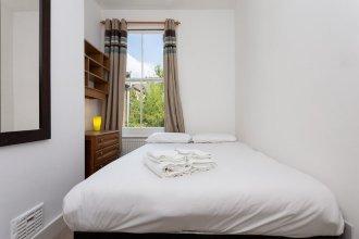 2 Bedroom Flat In South London