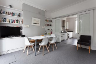 Myddelton Square II by Onefinestay