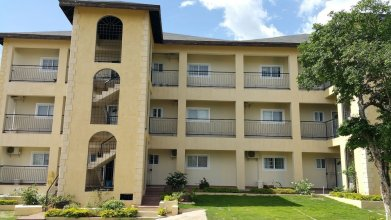 New Kingston Guest Apartment at Donhead