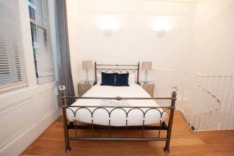 Unique Period Apartment in Kensington