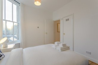 Charming 2 Bedroom Property in Clapham