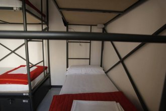 Traveller Box Hostel