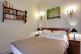 210176 Comfortable Apartment For 6 People In The Heart Of The Grands Boulevards