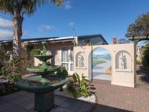 MALFROY Motor Lodge Rotorua - Accommodation and Mineral Pool