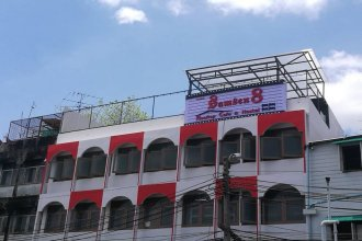 Samsen 8 Hostel