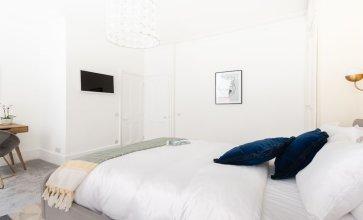 Гостевой Дом The Euston Square Escape - Modern & Central 4bdr Home