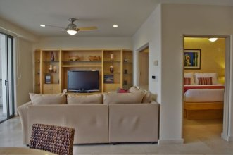 Unit 4A Ground Floor 2 Bdrm.2 Bath Luxury Condo Centrally Located in Cabo