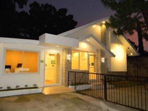 TR3ATS Guest House Bohol - Hostel