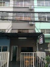 CHECKin Hostel at Donmuang Airport