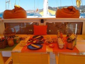 Dill Botel Phokaia Unique Holiday at Sea
