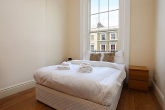 3 Bed Kensington Apartment with Balcony