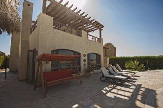Beachfront El Gouna Villa with Pool - Sabina Y144