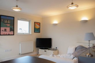 Bright And Spacious 2 Bed Flat in Peckham