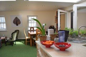 1 Bedroom Top Floor Flat In Fitzrovia