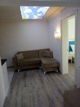 Fish Gold Apart Suites