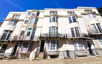 Quiet Flat for 4 With Sea View in Central Brighton