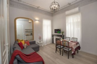 Magnificent Neoclassical apt in Syntagma by GHH