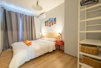 FM Deluxe 1-BDR Apartment - Style Meets Charm