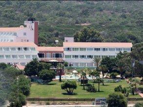 Adelais Bay