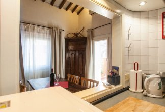 Amazing Apartment With Terrace in Piazza del Fico, Close Piazza Navona