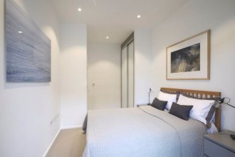 Modern 1 Bedroom Apartment in West London