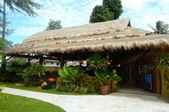Lanta Castaway Resort