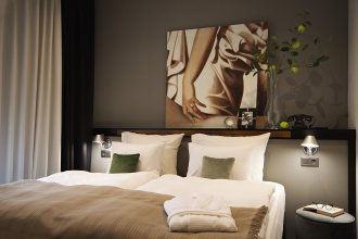 Hotel Republika And Suites
