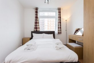 4 Bedroom Apartment in Shepherd's Bush Accommodates 10
