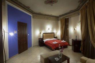 Augustos Hotel