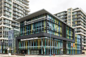 Convenient 2bdr 2BA Richmond Centre Condominium