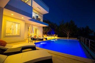 Villa Kartal by Akdenizvillam
