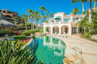 Affordable Palmilla Beachfront Villa: Villas del Mar 152