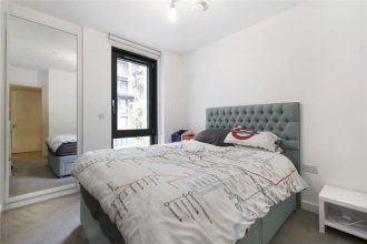 Incredible Newly Built 2 Bedroom Flat near Park