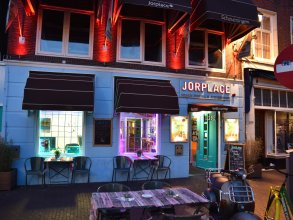 Jorplace Beach Hostel
