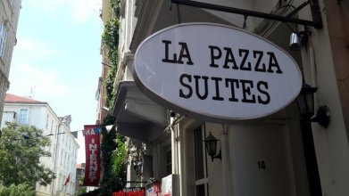 La Pazza Suites