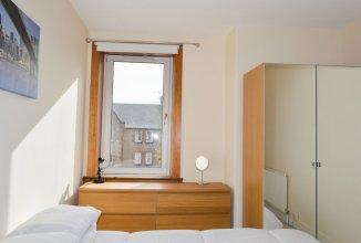 2 Bedroom Apartment Near Leith Walk