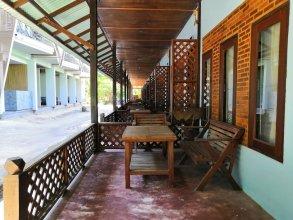 Sairee Hut Resort