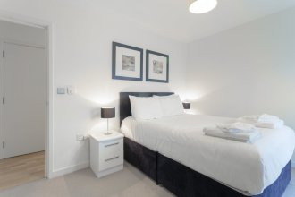 Modern 1 Bedroom Flat in Shadwell With Balcony