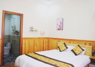 Dinh Nguyen Hotel