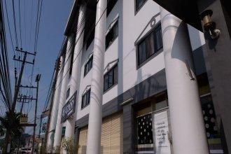 Ai Aroon Apartment