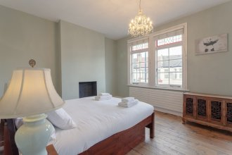 4 Bedroom Victorian House Near Notting Hill