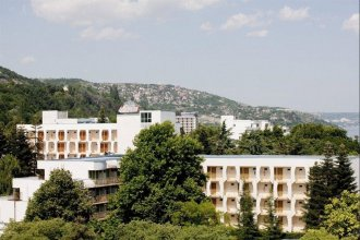 Отель Малибу