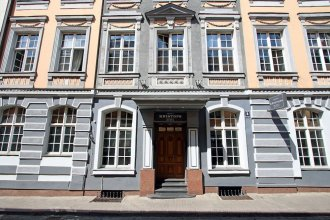 Kristof Hotel
