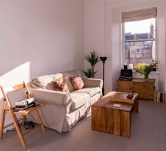 Comfortable Apartment in Leith
