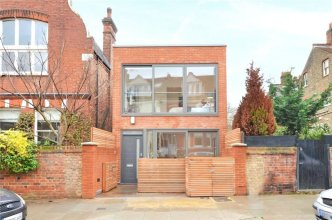 2 Bedroom House In West Hampstead